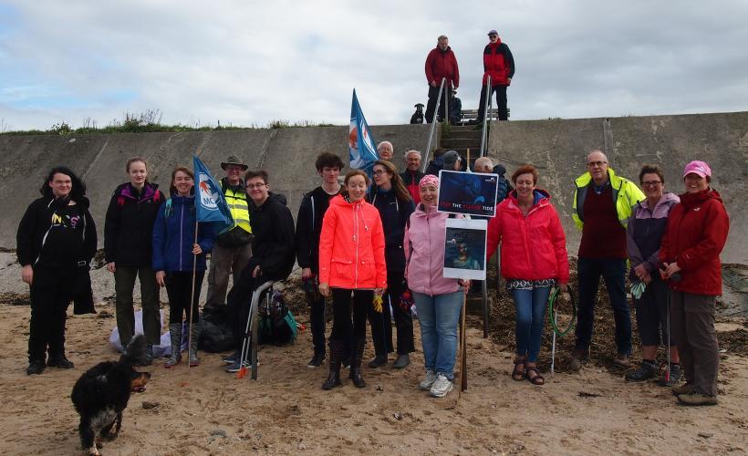 MCS beach clean at Half Moon bay 2018. Photo Jo Kaye
