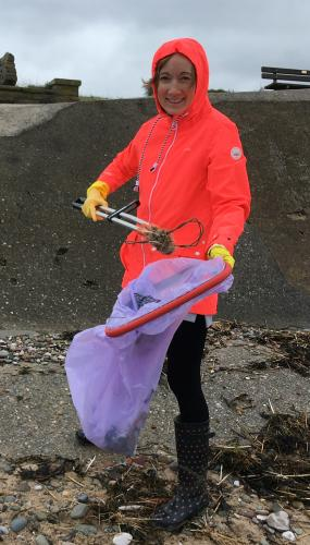 Picking litter on the GB beach clean. Photo by Nicola Darbyshire